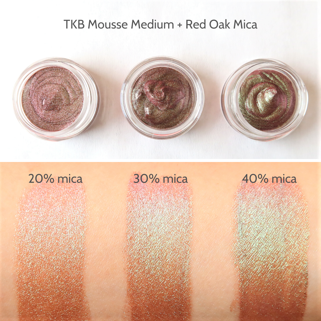 Mousse_Medium_Red_Oak_Swatches.png